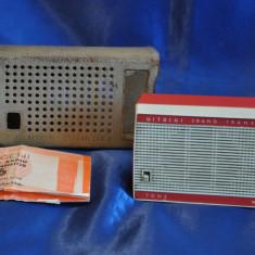 Radio portabil Anii 60 HITACHI WH-628R. 2 BAND TRANSISTOR 6. Vechi, de colectie - Aparat radio