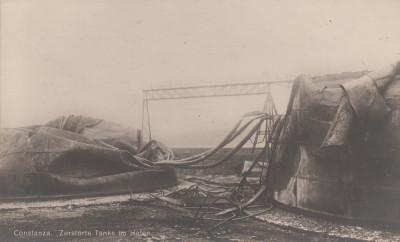 CONSTANTA, TANCURI DISTRUSE IN PORT foto