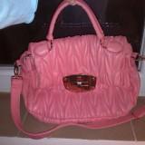 geanta piele eco roz matlasata accesorii aurii