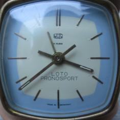 Loto Pronosport - Ceas de voiaj UMF Ruhla defect, ceas vechi cu reclama - Ceas de masa