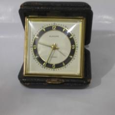 Ceas vechi de calatorie/ birou EUROPA ,conditie foarte buna !