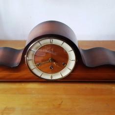 Ceas de semineu