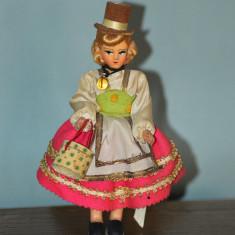 Papusa vintage in costum folcloric, etno tirolez, 17 cm, de colectie, decor