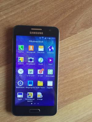 Samsung Galaxy A3 foto