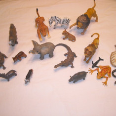 Lot 17 figurine animale salbatice de cauciuc dens si plastic - Figurina Animale Altele