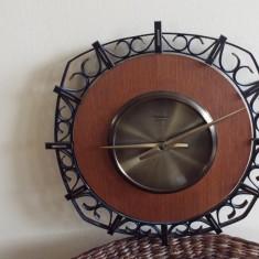 ceas perete electromecanic DIEHL