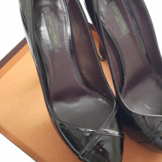 Pantofi DAMA LOUIS VUITTON Amarante Monogram Vernis Tamara Pumps - Marimea 38.5 - Pantof dama Louis Vuitton, Culoare: Bordeaux, Piele naturala, Cu toc