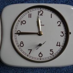 Ceas mecanic de perete Junghans-portelan-functional