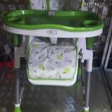 Scaun inalt cu masa pentru copii roco verde