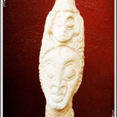 STATUETĂ MARE ȘI VECHE - TOTEM - ARTĂ AFRICANĂ, SCULPTATĂ DIN MATERIAL CALCAROS!