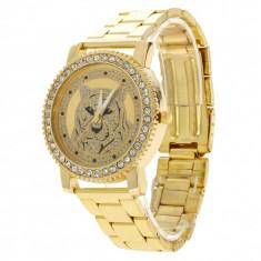 Ceas dama FASHION Geneva auriu cristale bratara metalica + cutie simpla cadou, Casual, Piele, Analog