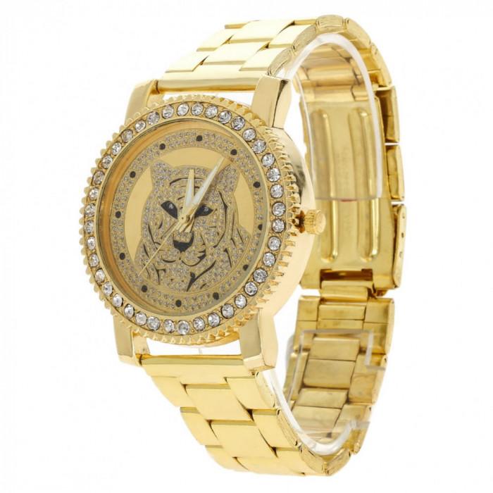 Ceas dama FASHION Geneva auriu cristale bratara metalica  + cutie simpla cadou