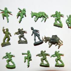 #16 Lot 13 figurine soldati armata, magari, 2cm, plastic, colectie, diorama