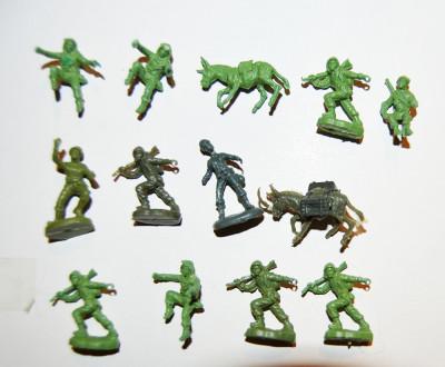 #16 Lot 13 figurine soldati armata, magari, 2cm, plastic, colectie, diorama foto