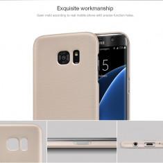 Husa Samsung Galaxy S7 Edge Super Frosted Shield + Folie by Nillkin Gold - Husa Telefon Samsung, Auriu, Plastic, Fara snur, Carcasa