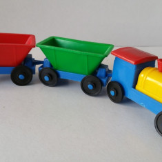 Jucarie veche colectie similar romaneasca tren trenulet plastic 2 vagoane Italia - Jucarie de colectie