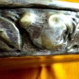 Tava veche lucrata manual - Metal/Fonta