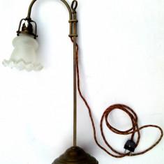 Lampa de birou sau biblioteca altdeutsch din alama, Lampi