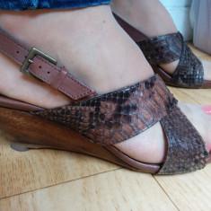 Sandale din piele cu platforma marimea 38, sunt noi! - Sandale dama Clarks, Culoare: Maro, Marime: 39, Piele naturala