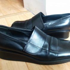 Pantofi din piele firma BALLY marimea 38, sunt noi! - Pantof dama Bally, Culoare: Negru, Piele naturala, Cu talpa joasa