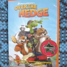 OVER THE HEDGE - 1 DVD ORIGINAL FILM ANIMATIE - CA NOU!, Engleza