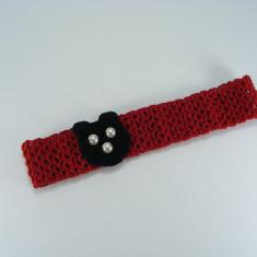 Bentita rosie cu ursulet negru de fetite crosetata manual Buticcochet