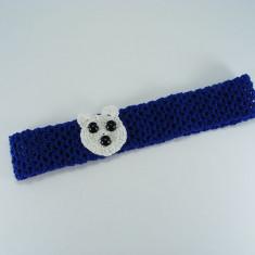 Bentita albastra cu ursulet alb de fetite crosetata manual Buticcochet