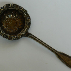 Supiera JURST argintata, Tacamuri