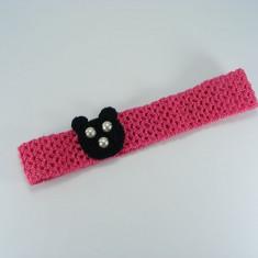 Bentita roz bonbon cu ursulet negru de fetite crosetata manual Buticcochet