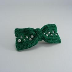 Clama de par cu funda verde si bilute albe de dama crosetata manual Buticcochet