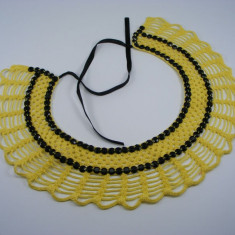 Guler crosetat manual de dama galben cu pietre negre Buticcochet - Colier fashion