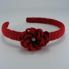 Cordeluta rosie cu floare si perla alba de dama crosetata manual Buticcochet - Coronita