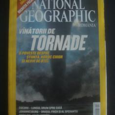 REVISTA NATIONAL GEOGRAPHIC  LUNA APRILIE 2004