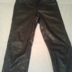 Pantaloni dama Bisou Bisou DIN IMITATIE PIELE ~ firma BSB ORIGINAL- MADE IN GREECE (mar.38), Culoare: Negru, Lungi, Poliester