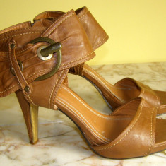 Sandale dama marca Shooz marimea 39 (P353_1)