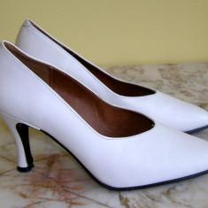 Pantofi dama marca Asunchi marimea 38 (P420_1) - Pantof dama