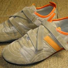 Adidas marca Cult Design marimea 39 (E23_1) - Adidasi barbati, Culoare: Din imagine