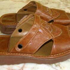 Papuci marca Huaxn marimea 36 (Q57_1)