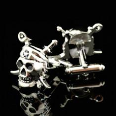Butoni camasa model Pirat argintii + cutie simpla cadou