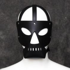 Masca / hood / cagula din piele ecologica NOUA IN AMBALAJ - BDSM / party / gluma