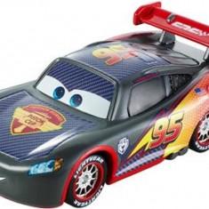 Masinuta Cars Carbon Fiber Lightning Mcqueen - Masinuta electrica copii Mattel