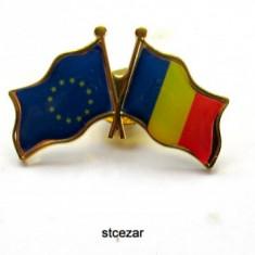 Set insigne tricolor-tricolor eu-oferta- - Insigna, Romania de la 1950