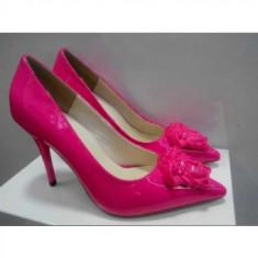 Pantofi stiletto VERSACE - PE STOC - Super Promotie!!! - Pantof dama Versace, Culoare: Fuchsia, Marime: 39, Piele naturala