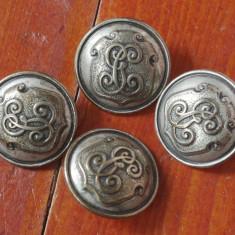 Lot 4 bucati - nasturi din metal cu monograma !!!