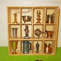 RAFT cu 12 MINIATURI de COLECTIE lucrate din BRONZ, CUPRU, ALAMA, ZINC (2) - Miniatura Figurina