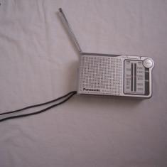 Radio portabil mono Panasonic RF-P150, stare perfecta de functionare si aspect - Aparat radio Panasonic, Analog, 0-40 W