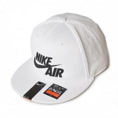SAPCA NIKE AIR PIVOT TRUE COD 729497-100 - Sapca Barbati Nike, Marime: Marime universala, Culoare: Alb