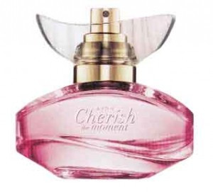 Apa de parfum Cherish the Moment AVON 50ml