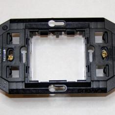 Suport montaj aparataj Gewiss Playbus 2 locuri pe doza de 3 (432)