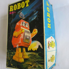 RAR! ROBOTEL CHINEZESC CU CHEITA INCORPORATA, IN CUTIA ORIGINALA DIN ANII 80 - Colectii